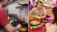 인니 '떡볶이 열풍'…값싸고 중독성 있는 맵고 단 맛 '인기'